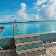 Beautiful infinity pool Baros
