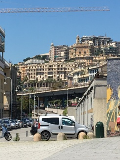Genoa stop to change transport