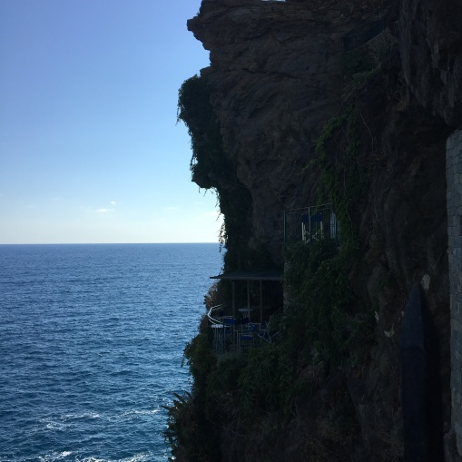 cliffside cafes, Vernazza