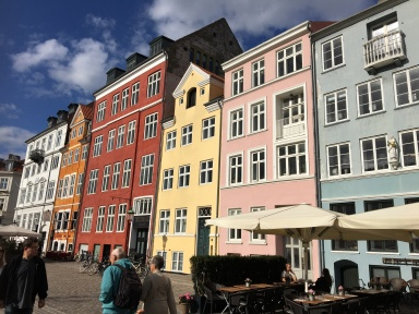 Nyhavn from land